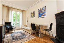 temporary rental for equipped apartment sleeps 4 in Convention Paris 15th district