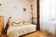 short term rental studio for 2 on avenue de Saint Ouen Paris XVIII