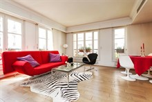 modern weekend rental apartment for 2 or 4 guests 581 sq ft Paris VI