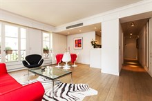 spacious apartment for 2 or 4 guests in the heart of Saint Germain des Prés Paris VI