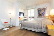 temporary apartment to rent short term 581 sq ft Paris 6th