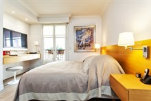 short term rental for 2 or 4 furnished in Saint Germain des Prés Paris VI