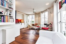 furnished apartment to rent short term sleeps 3 in the Marais Paris IV