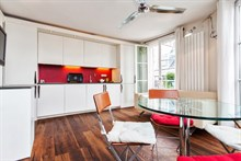 furnished apartment to rent short term in the Marais for 3 guests Paris 4th