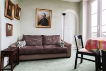 Temporary rental apartment sleeps 4 on rue Fabert Invalides, Paris 7th