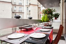 spacious weekend studio rental for 2 or 3 on rue Stanislas Paris 6th