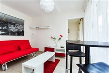 short term rental apartment, 334 sq ft, for 2 or 4 on rue de Montreuil paris xi
