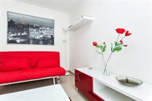 elegant 1 bedroom apartment with terrace to rent for the week for 2 to 4 guests, rue de Montreuil, paris xi