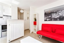seasonal rental apartment with terrace for 2 or 4 guests, F2, near bastille paris xi