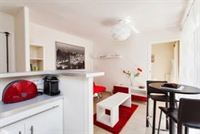 spacious apartment of 334 sq ft, furnished for 2 to 4 guests to rent in paris rue de Montorgueil