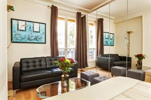 furnished apartment for 2 to rent short term, 1 bedroom, rue Paul Bert paris