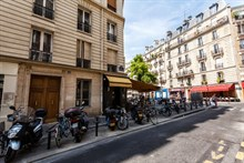 rent a furnished F2 for 2 monthly between bastille and nation, paris 11th district