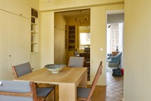 Short-term vacation rental for 4 with balcony, apartment at Passy Paris 16th