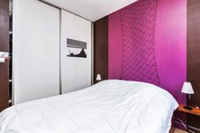 Short-term business stays in furnished 2-room flat for 4 w/ access to metro lines 4 and 12, Paris 18th