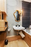 18th district Paris apartment steps from Montmartre sleeps 4, short-stays