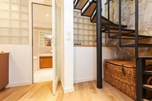 Short-term Paris vacation rental near Montmartre Paris 18th District, perfect for family or friends, sleeps 7 w/ 2 bedrooms
