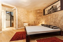 Romantic weekly vacation rental, turn-key w/ 2 modern bedrooms steps from Montmartre Paris 18th