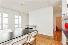 Short-term holiday rental for 4 in turn-key flat w/ 2 rooms on left bank near Cambronne Paris 15th