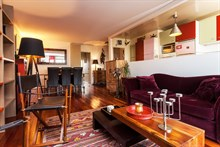 Monthly or weekly rental, 4-person furnished apartment with 2 bedrooms and a balcony in Republique Paris 10th