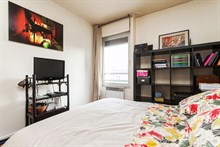 Romantic weekly vacation rental w/ balcony, turn-key w/ 3 rooms near Oberkampf, Republique Paris 10th