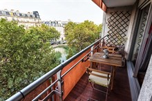 Spacious 3-room apartment sleeps 4, rent by week or month, located near favorite Parisian monuments, Republique Paris 10th