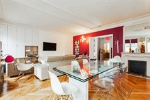 Large furnished apartment for 4 in le Marais, 2-bedrooms for extra privacy, rent by week or month, Turbigo, Paris III