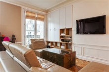 Well-lit spacious apartment for 4 in le Marais, 2-bedrooms with balcony, weekly or monthly rental, Turbigo Paris III