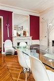 Spacious accommodation for 4 available for short-term stays, furnished with 2-bedrooms and balcony Turbigo Paris 3rd
