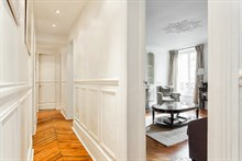 Romantic weekly vacation rental, turn-key w/ 2 modern bedrooms at Hotel de Ville, Paris 4th in Marais