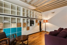Short-term apartment rental sleeps, spacious studio with fold-out couch on rue des Dames, Paris 17th