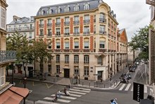 Modern studio apartment on rue des Dames, short-term accommodation in Batignolles, Paris 17th