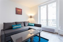 2-person studio apartment for monthly rent, furnished with bed and fold-out couch, rue Saint Jacques Paris 5th