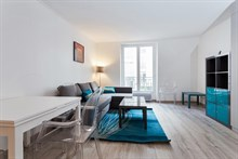 Weekly rental of furnished studio, recently remodeled, Paris 5th near Luxembourg gardens