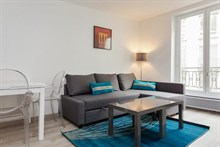 Large studio apartment available for weekly rental, perfect for romantic couple's getaway, rue Saint Jacques, Paris 5th