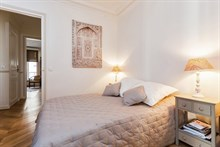 4-person holiday flat for weekly or monthly rent on rue Fourcade, Paris 15th, 3 spacious rooms, furnished