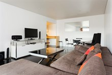 Spacious rental furnished with 2 bedrooms and terrace for 6 guests on Rue Gallieni 16th district of Paris