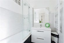 Modern 2-room apartment for weekly or monthly rent, furnished, sleeps 4 at Plaisance, Paris 14th