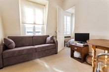 Weekly rental of furnished 2-room apartment Paris 15th near Eiffel Tower