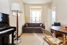 2-person 2-room apartment for monthly rent, furnished with bed and fold-out couch, rue du Commerce Paris 15th