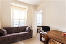 Weekly rental, 4-person furnished apartment with a double bed and fold-out couch at Motte Picquet Grenelle, Paris 15th