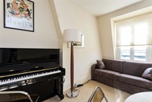 Weekly accommodation for 2 or 4 in furnished, remodeled flat near Eiffel Tower, Paris XV