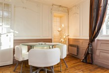 Monthly rental of a fully equipped 2-room apartment on Rue du Buis Paris 16th, 2 or 3 person