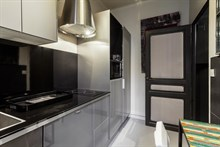 Weekly or monthly rental of fully furnished studio flat on rue du Four at Saint Germain des Prés, Paris 6th