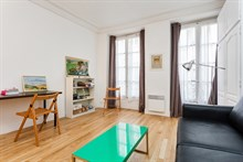 Furnished, turn-key studio for 2 guests for weekly or monthly rental at Montorgueil Paris 2nd