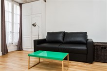 Studio flat rental for 2, short-term and fully furnished at Montorgueil Paris 2nd