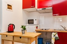 Holiday rental for 2, rent by month or week at Montorgueil, Paris 2nd, fully furnished and modern