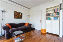 Furnished, turn-key studio for 2 guests for weekly or monthly rental at Oberkampf Paris 2nd