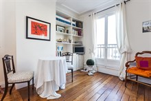 Turn-key studio apartment for 2 guests at Oberkampf, Paris 2nd, rent short-term
