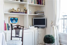 Holiday rental for 2, rent by month or week at Oberkampf, Paris 2nd, fully furnished and modern