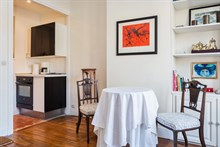 Well-lit, fully furnished short-term lodging for 2 guests at Oberkampf, Paris 2nd